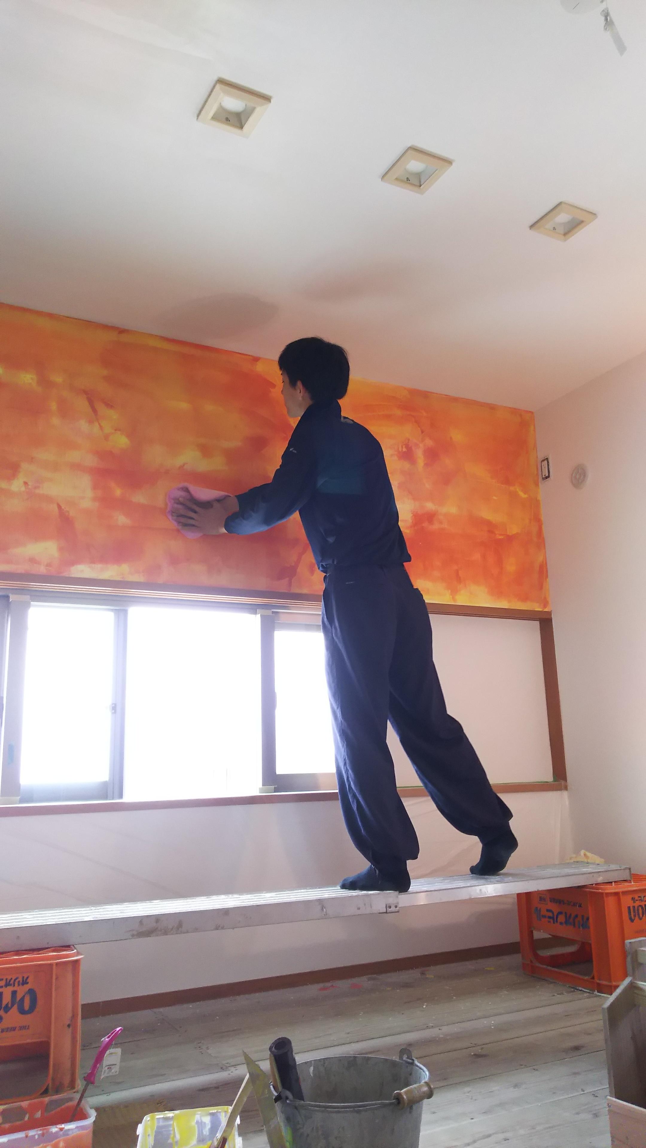 住宅内装漆喰押さえ、イタリア磨きマーブル